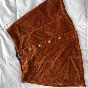 DOBE skirt